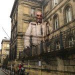Julien de Casabianca libera i personaggi dei quadri portandoli in strada | Collater.al 13