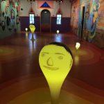 La mostra immersiva di OSGEMEOS, tra street e folk art | Collater.al 2