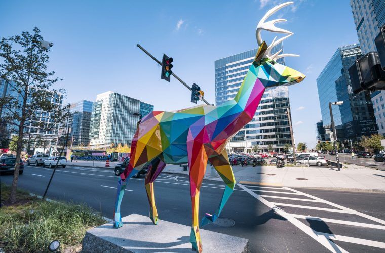 Le coloratissime sculture di Okuda San Miguel a Boston