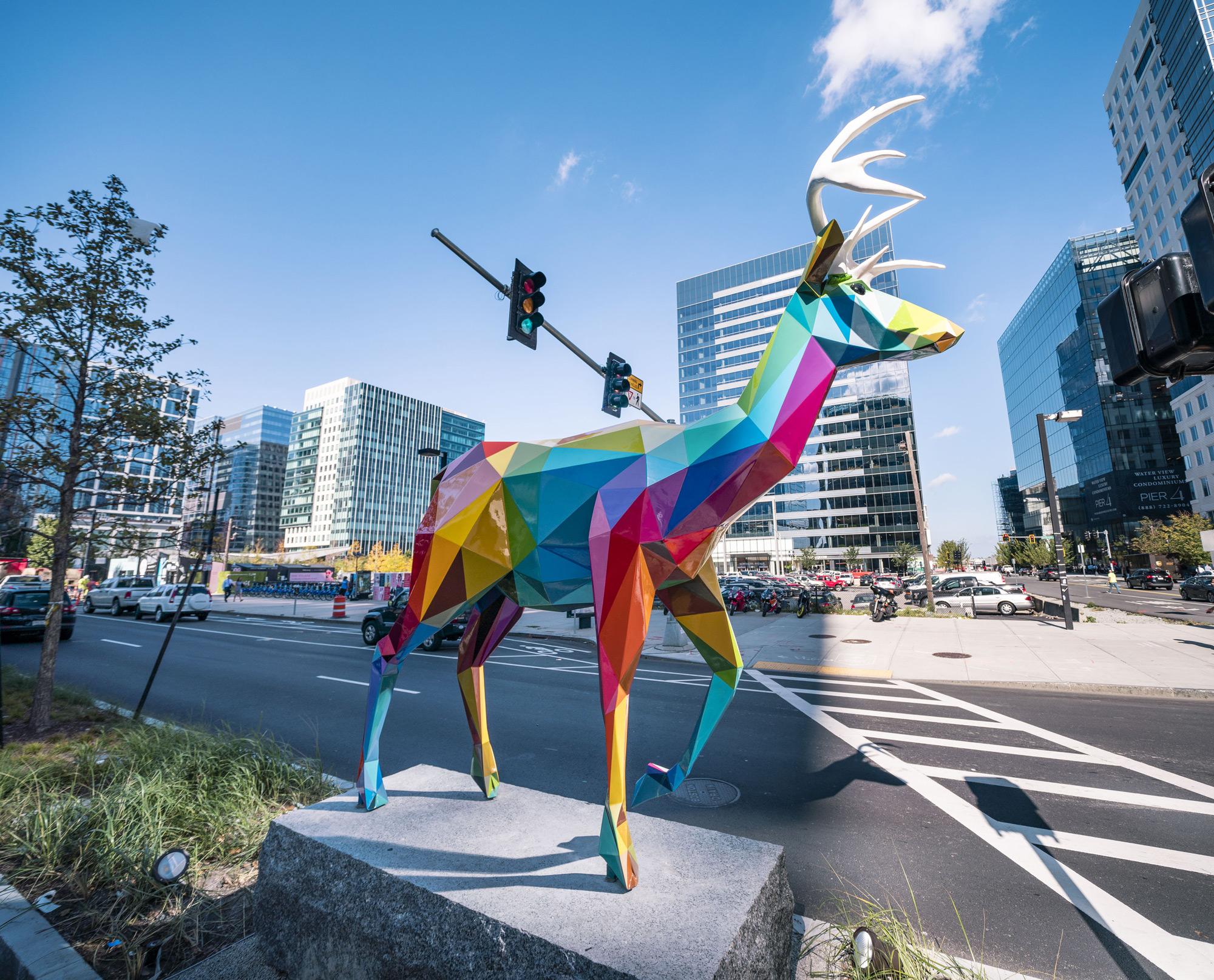 Le coloratissime sculture di Okuda San Miguel a Boston | Collater.al