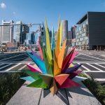 Le coloratissime sculture di Okuda San Miguel a Boston | Collater.al 2