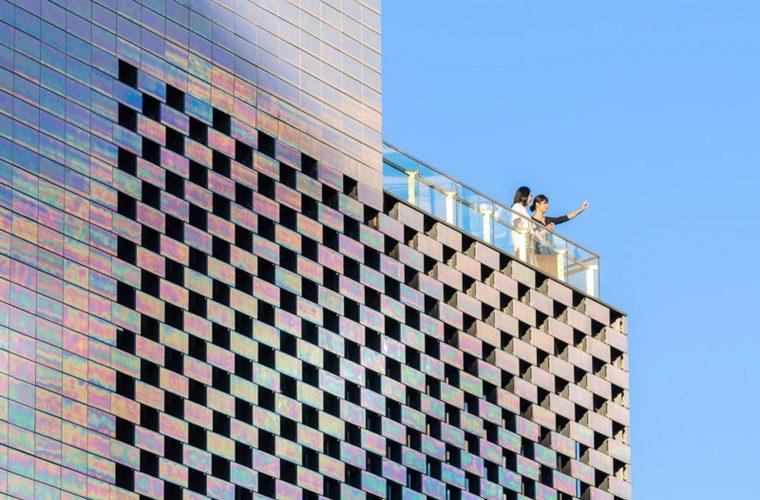 Lo studio MVRDV fa brillare il centro commerciale di Beijing