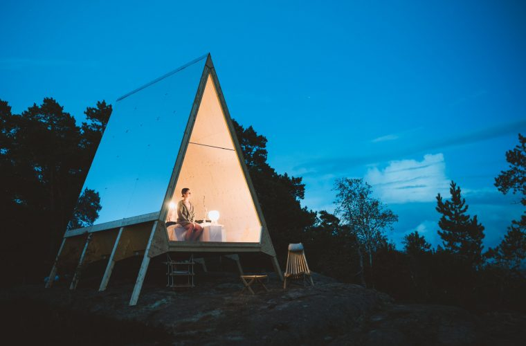 Nolla Cabin, a detachable mini-house that looks like a tent