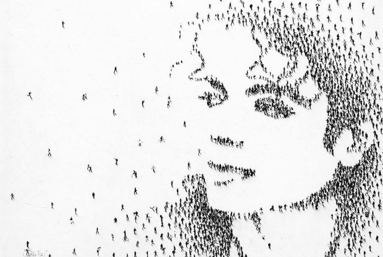 Migliaia di persone formano i ritratti della serie Populus