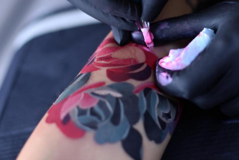 Sasha Unisex realizza degli acquerelli tatuati sulla pelle