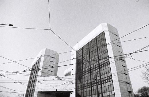 SkylineSeekers:Milano vista dai tetti attraverso l'obiettivo di Marco Aurelio Mendia