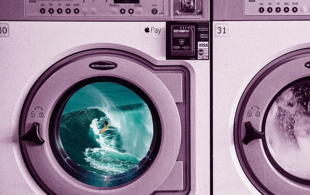 Vanessa Ly con i suoi collage ci porta nello spazio (e oltre)