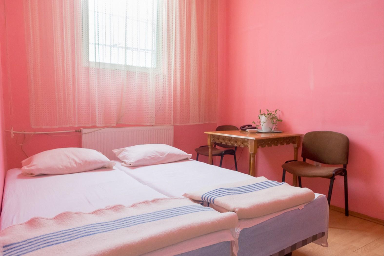 Camera intimă, il progetto fotografico di Cosmin Bumbuţ | Collater.al