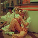 Girl squad! Le ragazze delle fotografie di Lainey Conant | Collater.al 1