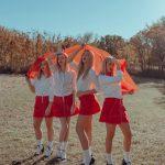 Girl squad! Le ragazze delle fotografie di Lainey Conant | Collater.al 10