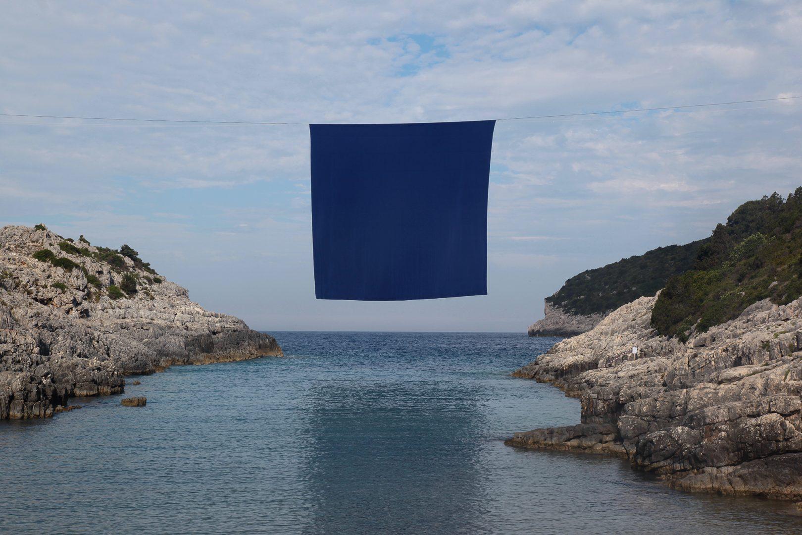 Interface, un'installazione tra cielo, terra e mare