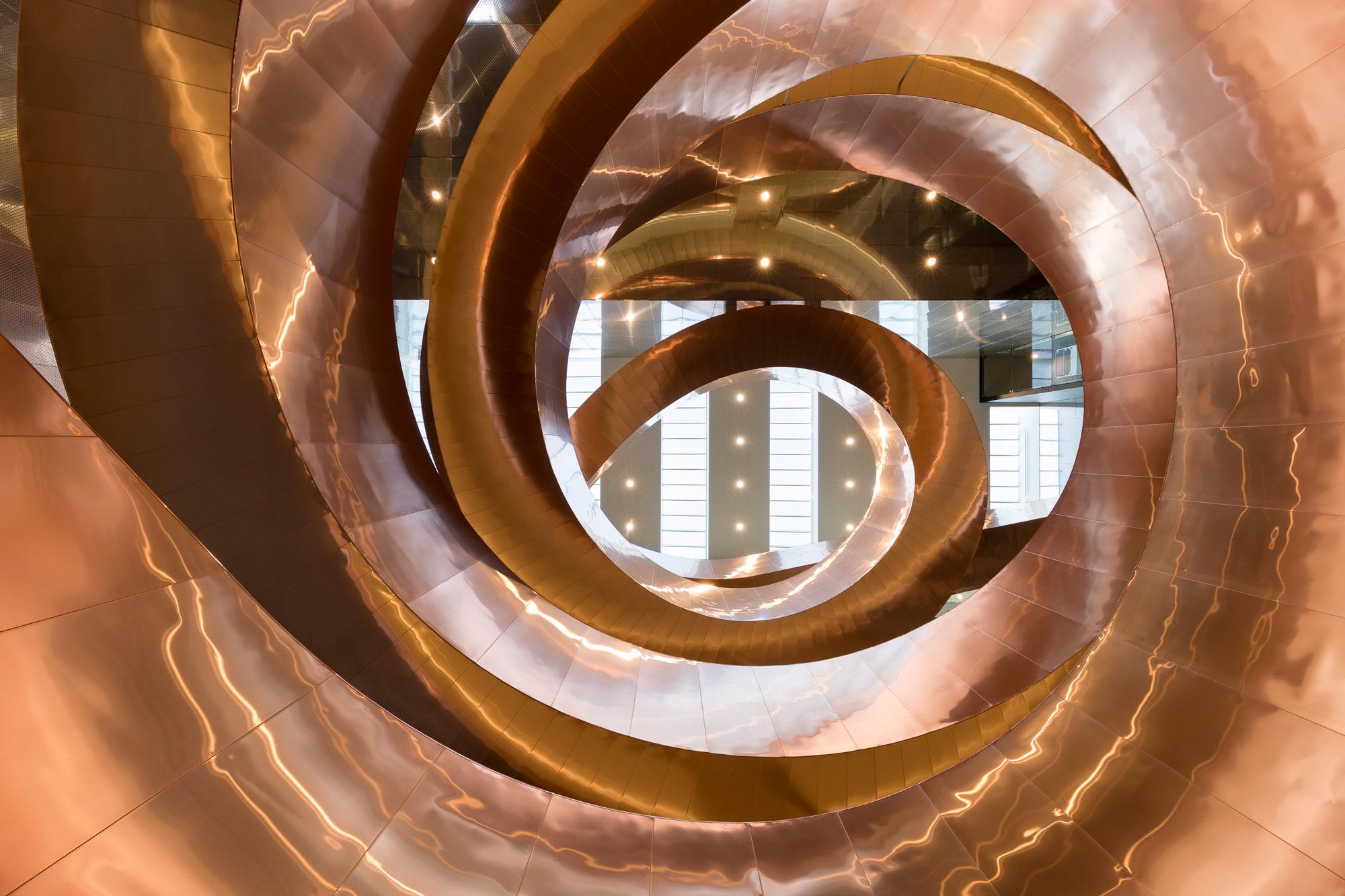La scala in rame di CEBRA per il museo Experimentarium | Collater.al