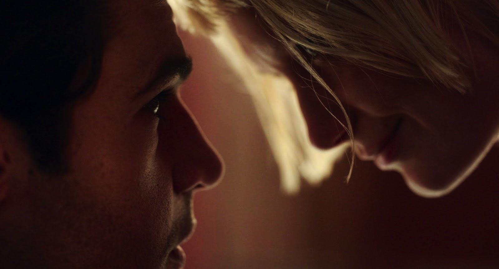 Piercing è il nuovo film disturbante con Mia Wasikowska | Collater.al 2