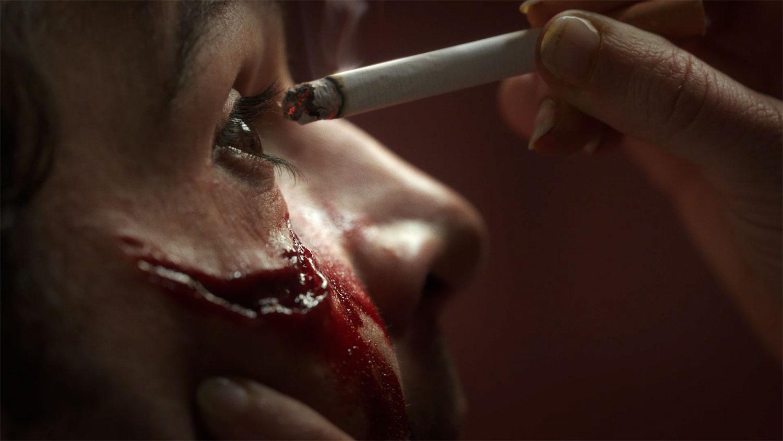 Piercing è il nuovo film disturbante con Mia Wasikowska | Collater.al 3