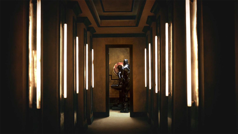 Piercing è il nuovo film disturbante con Mia Wasikowska | Collater.al 4