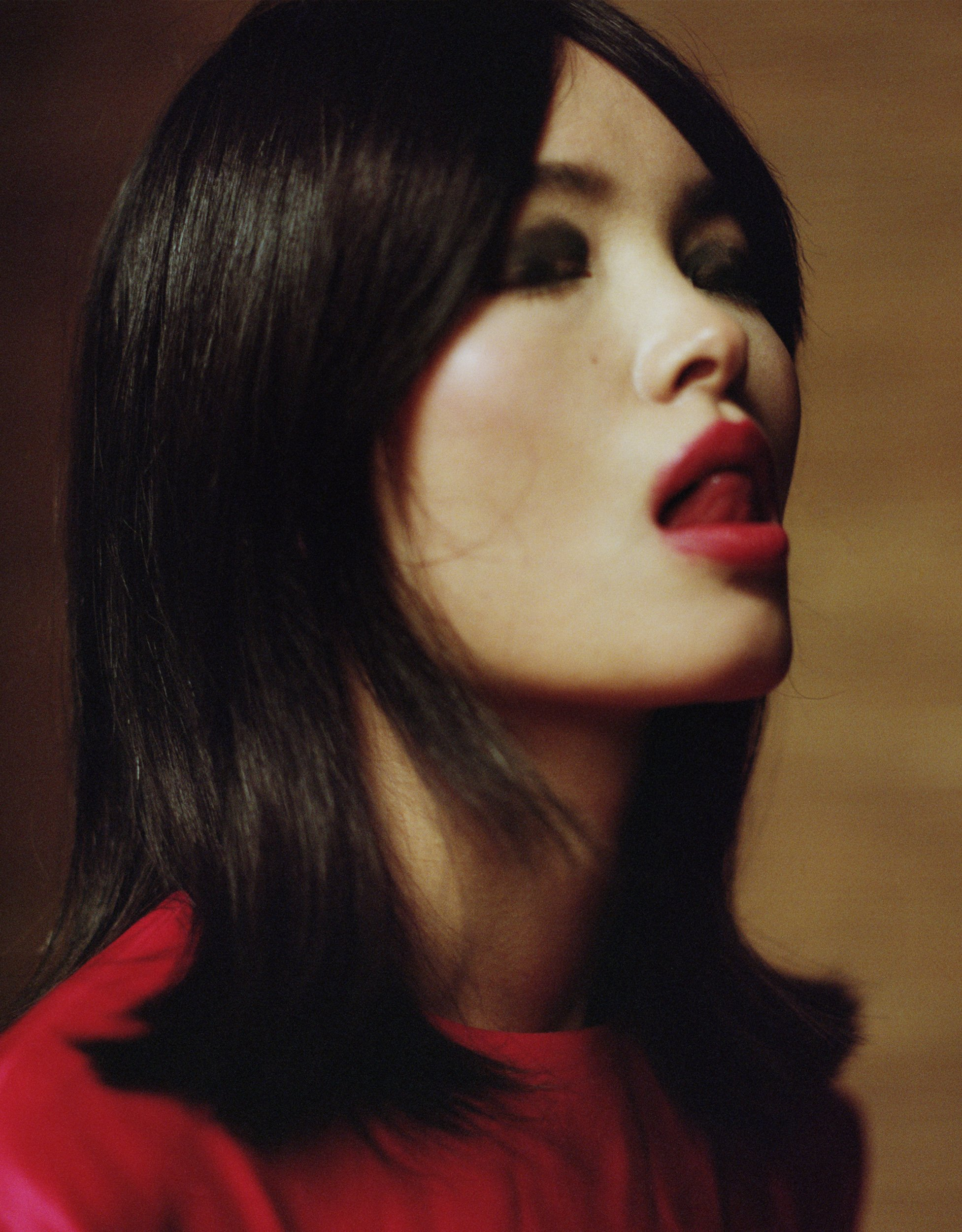 Sam Nixon cattura la femminilità nelle sue fotografie di moda