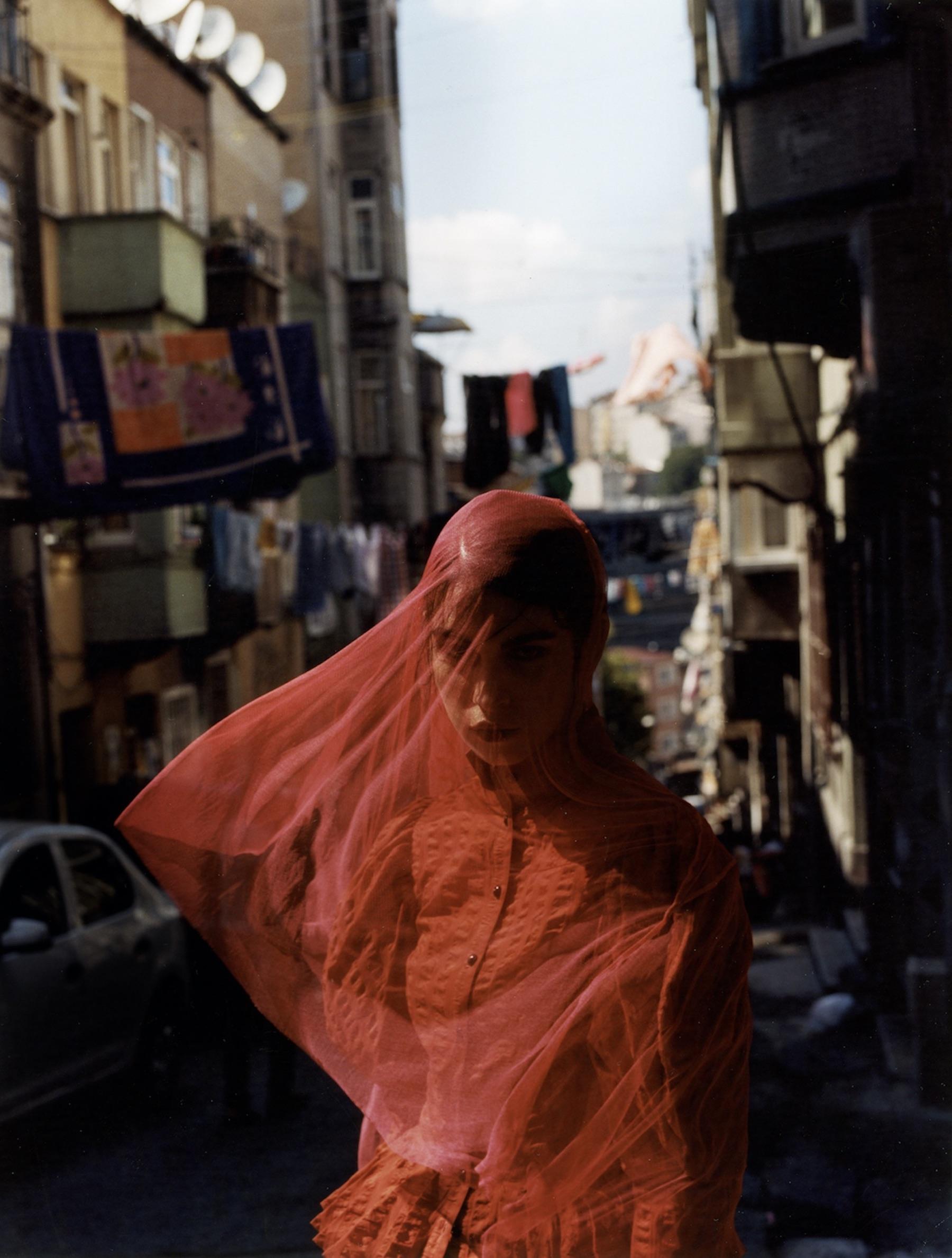 Sam Nixon cattura la femminilità nellesue fotografie di moda | Collater.al