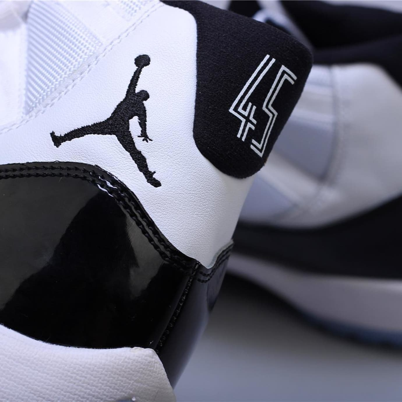 air jordan XI Concord | Collater.al