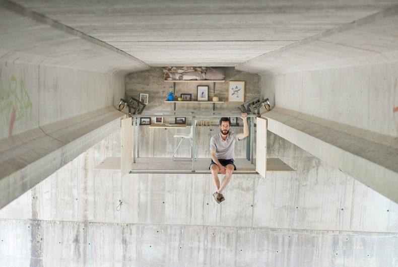 Fernando Abellanas nasconde uno studio segreto sotto un ponte