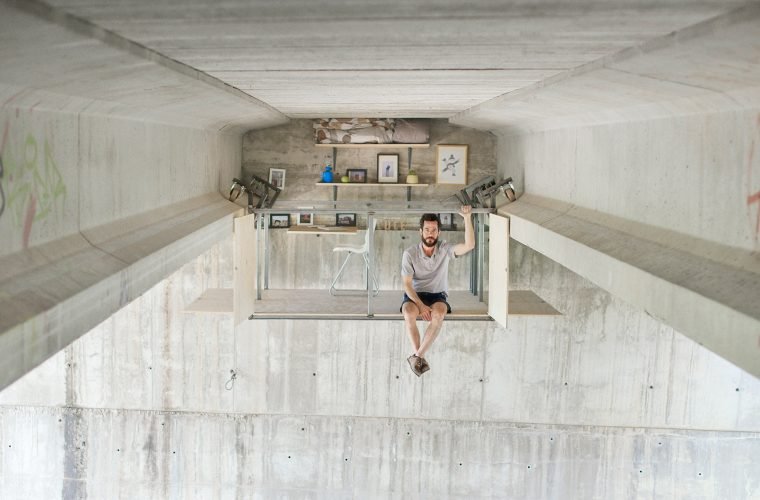 Fernando Abellanas hides a studio under a bridge