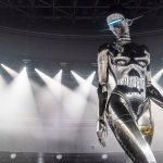 Il robot gigante di Hajime Sorayama per Dior  Collater.al 4