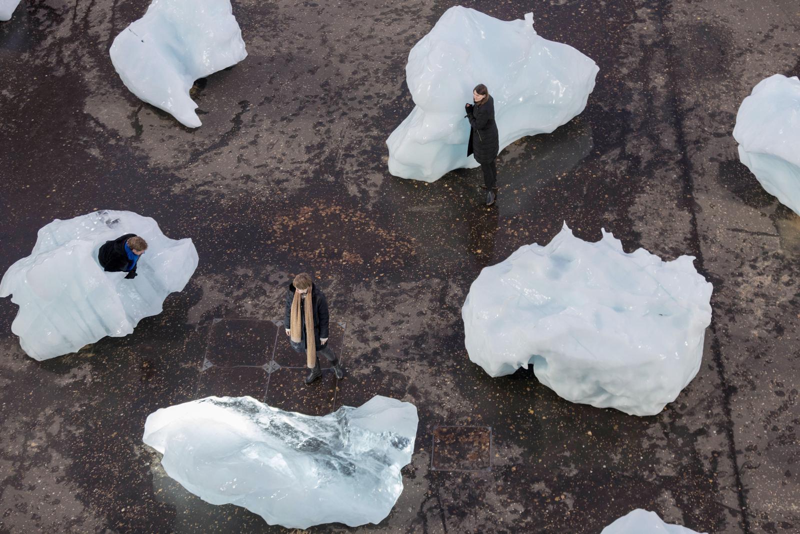 L'Ice Watch di Olafur Eliasson sulle rive del Tamigi   Collater.al