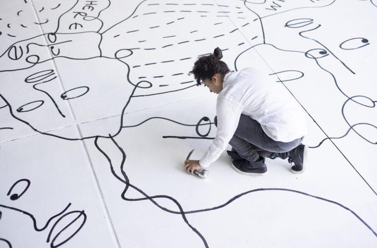 Non solo scarabocchi, i murales di Shantell Martin