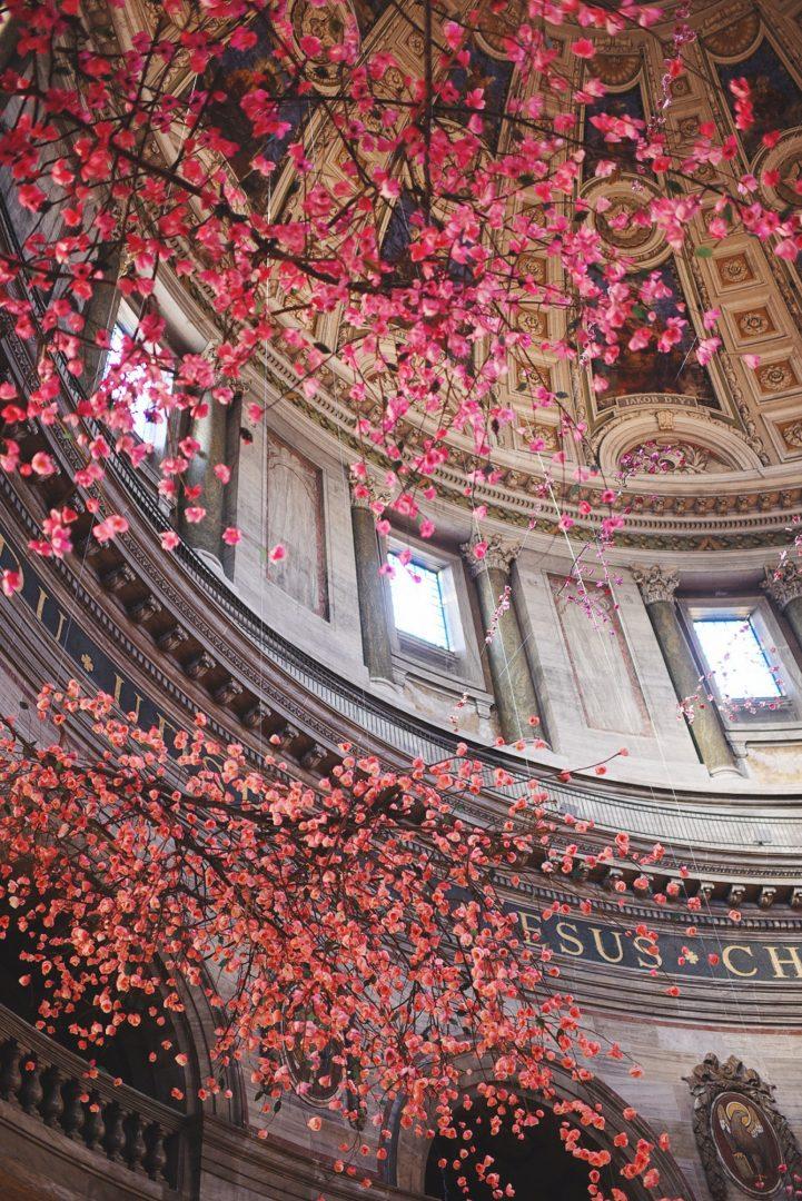 Cherish,  l'installazione floreale di Veronica Hodges