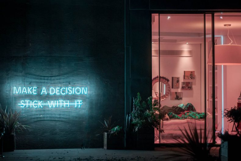 Say it with a neon, Eve De Haan's installations