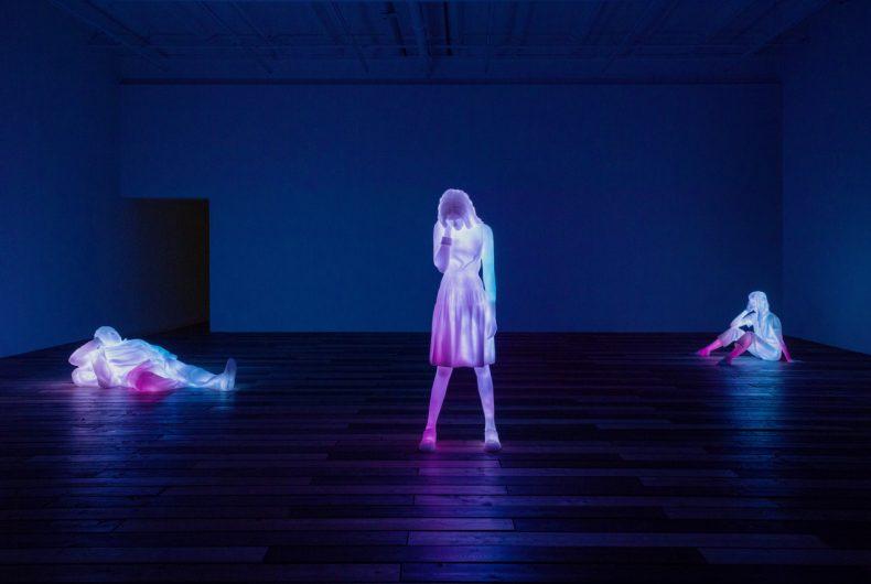 Don't Forget to Breathe, l'ipnotica installazione di Doug Aitken