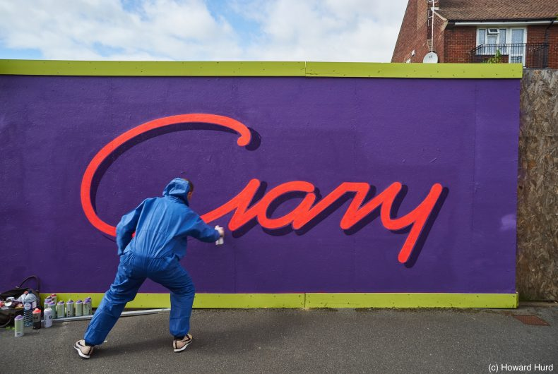 Gary Stranger fonde l'arte della tipografia con i graffiti