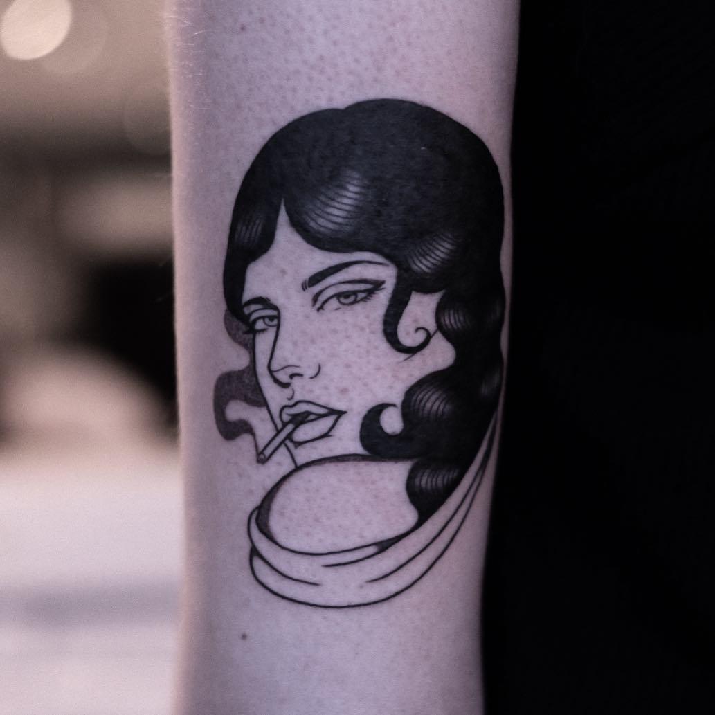 Lydia Marier e i suoi tatuaggi surreali ed enigmatici