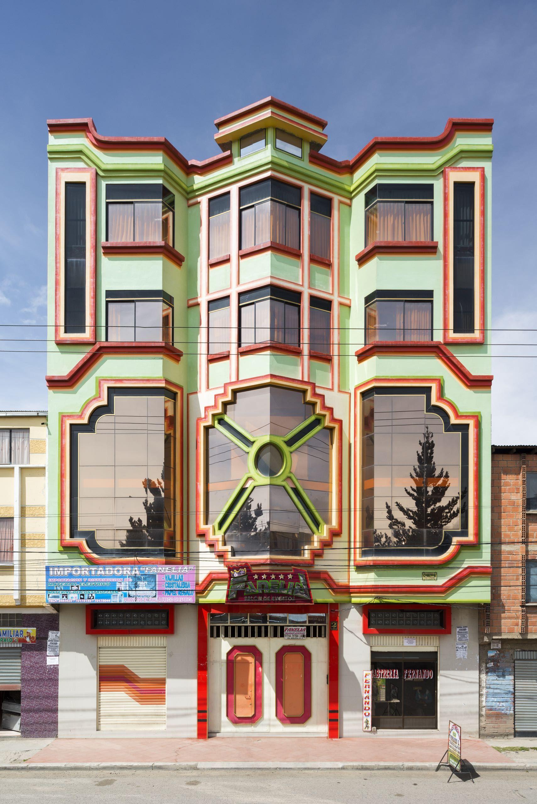 Le architetture di Freddy Mamani sembrano giocattoli | Collater.al
