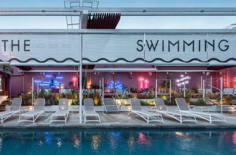Lo swimming club di Pow Ideas a Kuala Lumpur