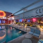 Lo swimming club di Pow Ideas a Kuala Lumpur | Collater.al 6
