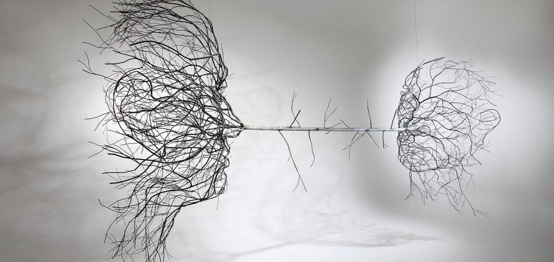 La natura plasma l'uomo nelle sculture di Sun-Hyuk Kim