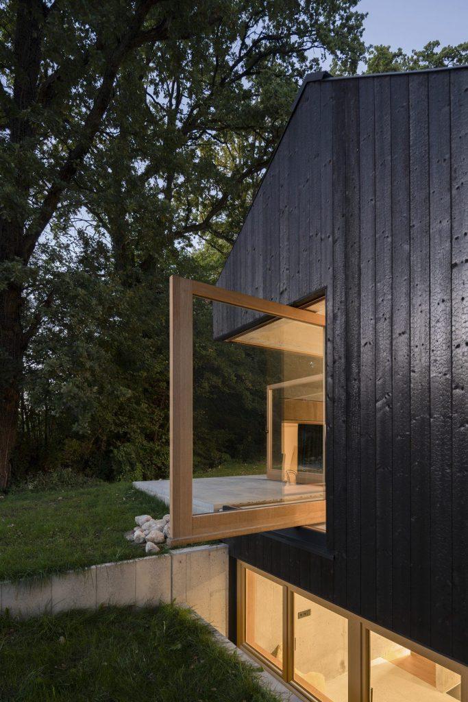 Das Schwarze Haus | Collater.al