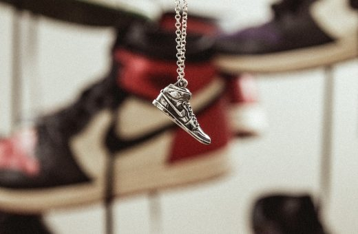 IT'S FOREVER, Urban Cromos launches a collection of jewelry shaped like sneakers