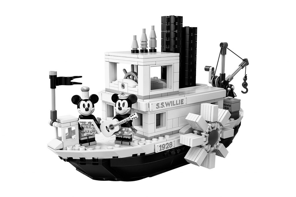 LEGO IDEAS Mickey Mouse Steamboat Willie | Collater.al