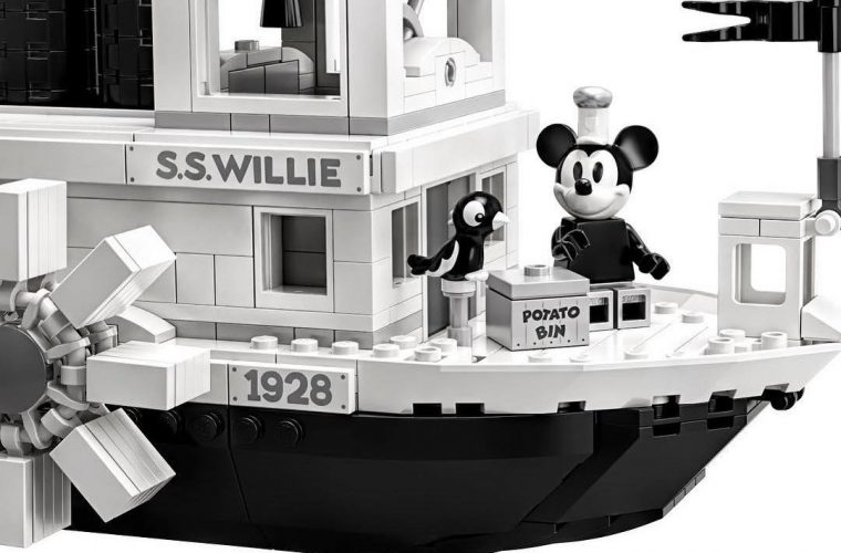 LEGO IDEAS celebra i 90 anni di Mickey Mouse con la Steamboat Willie
