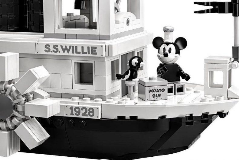 LEGO IDEAS celebra i 90 anni di Mickey Mouse con la Steamboat Willie