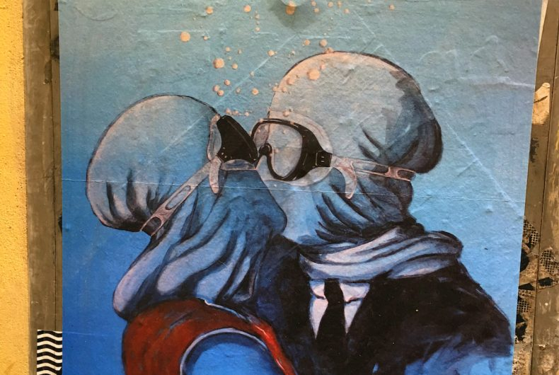 L'arte sa nuotare and Blub's street art