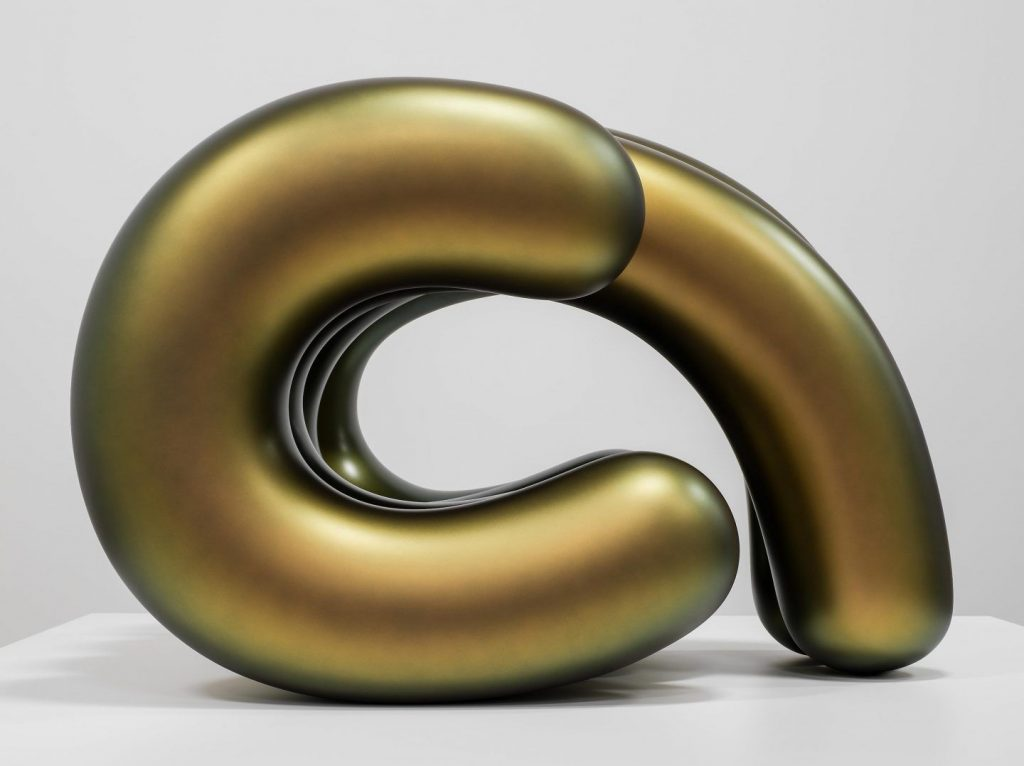 Le sensuali sculture cromate di Ken Price | Collater.al