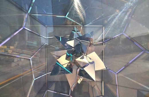 L'ipnotica installazione Cubed/Uncubed di Victor Polyakov