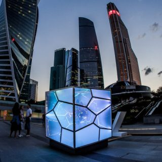 L'ipnotica installazione Cubed:Uncubed di Victor Polyakov | Collater.al