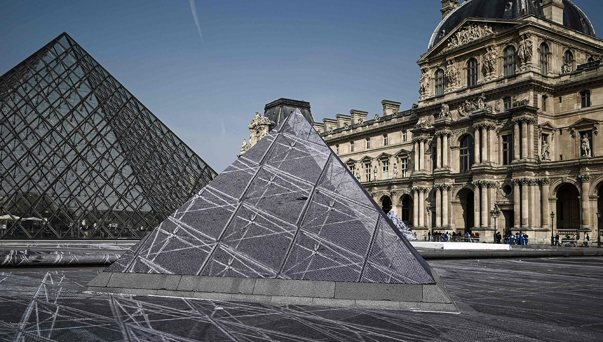 JR celebrates 30 years of the Louvre Pyramid with a huge optical illusion
