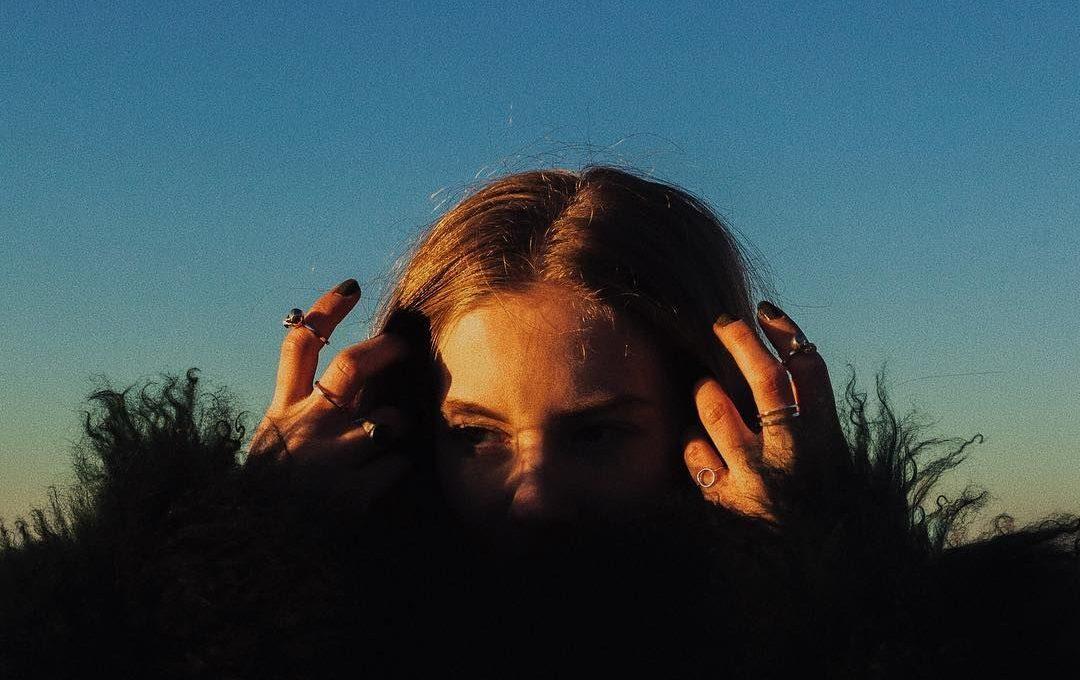 About melancholy: the shots of Simon Kerola
