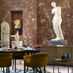 Airbnb ti fa dormire nella piramide del Louvre | Collater.al 11