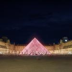 Airbnb ti fa dormire nella piramide del Louvre | Collater.al 7