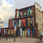 Il murale di Utrecht che sembra lo scaffale di una biblioteca   Collater.al
